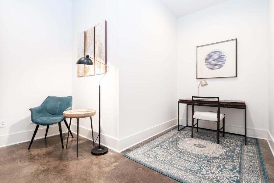 Desk/Sitting area